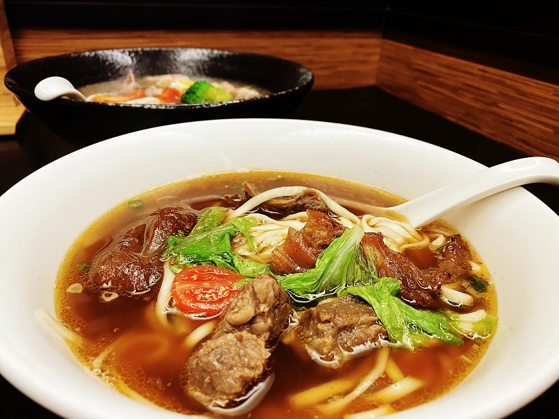 тайваньский говяжий суп с лапшой